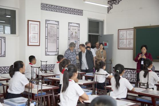 """""""挥毫九州-国学书法教育""""公益项目河北启航"""